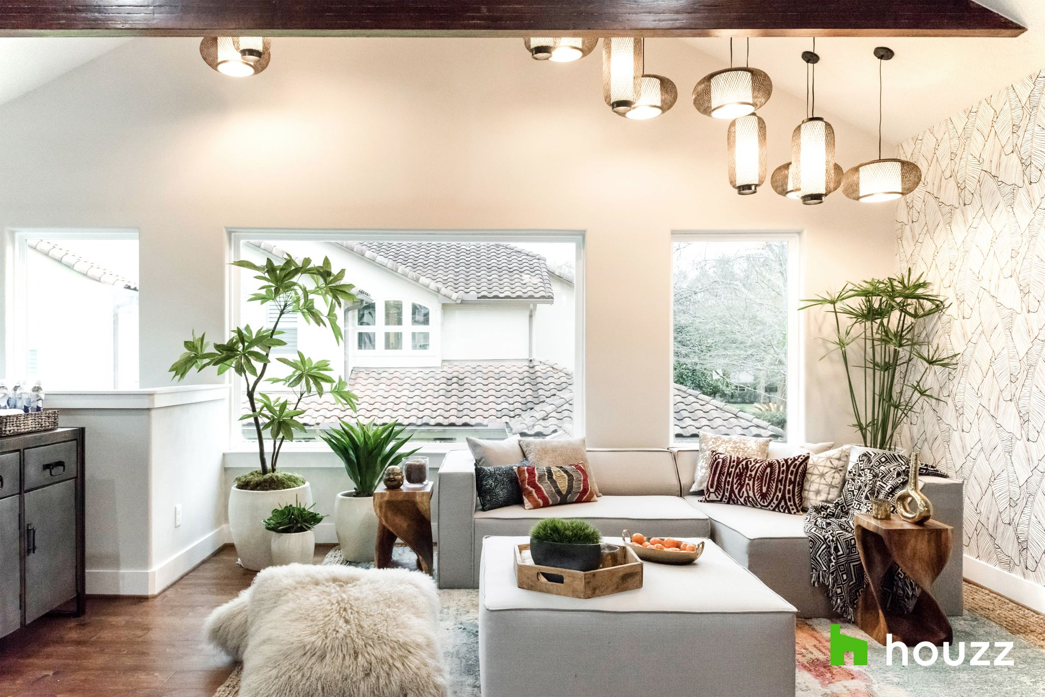 Mario Lopez Surprises His Houston Sister With A Home Addition