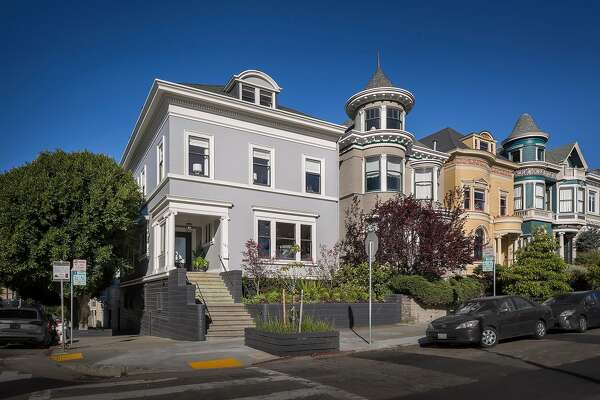 701 Scott St. in Alamo Square is a six-bedroom corner house designed by architect Julius Krafft and completed in 1901.