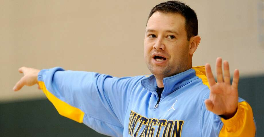 HUNTINGTON, WV - February 2: Huntington Prep head coach Rob Fulford gives instructions to his players during practice in Huntington, West Virginia, on February 2, 2012. (Photo by Toni L. Sandys/The Washington Post via Getty Images) Photo: The Washington Post/The Washington Post/Getty Images