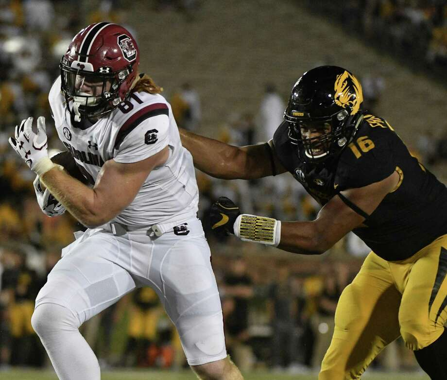 Another top TE prospect, South Carolina's Hayden Hurst (81) could go as high as the first round. Photo: Ed Zurga, Stringer / Getty Images / 2017 Getty Images