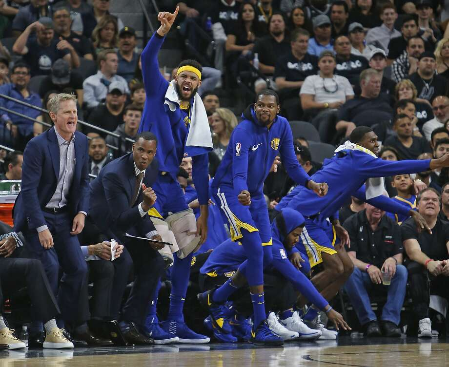 SAN ANTONIO,TX - APRIL 19: Steve Kerr head coach of the Golden State Warriors and the rest of the warriors celebrate a basket against the San Antonio Spurs at AT&T Center on April 19 , 2018  in San Antonio, Texas.  NOTE TO USER: User expressly acknowledges and agrees that , by downloading and or using this photograph, User is consenting to the terms and conditions of the Getty Images License Agreement. (Photo by Ronald Cortes/Getty Images) Photo: Ronald Cortes / Getty Images
