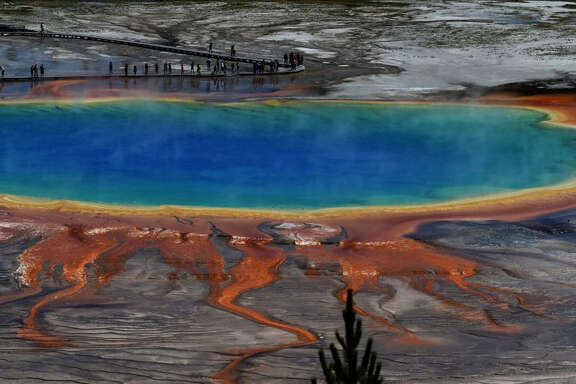 A caldera-forming volcano supplies the heat for the hydrothermal features in Yellowstone National Park.