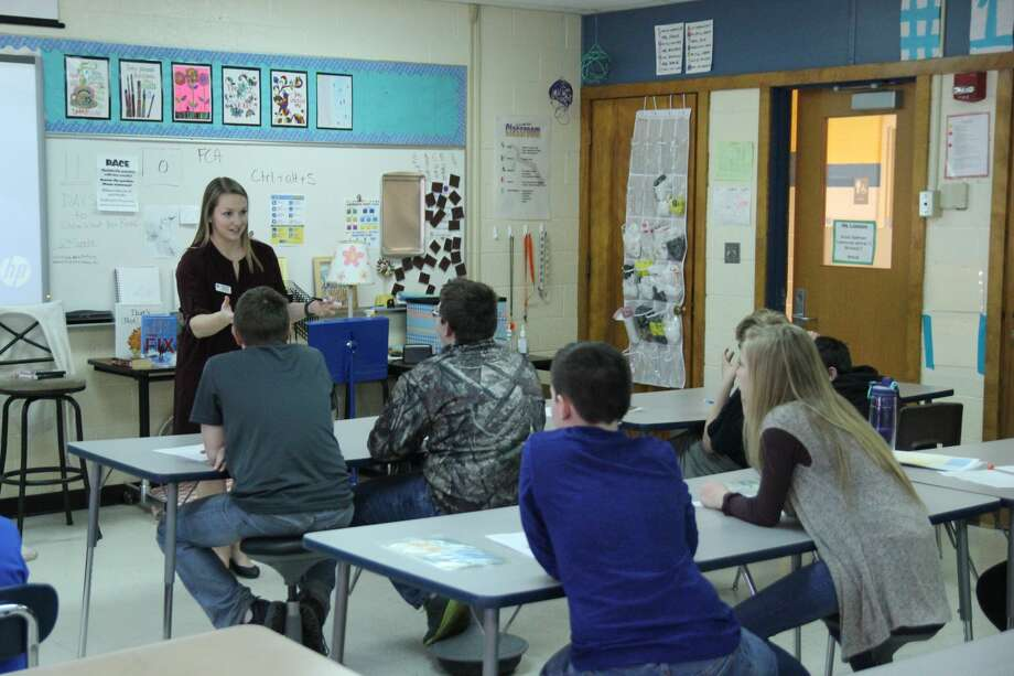 Bad Axe Middle School hosted its annual Career Day Friday afternoon to give students an opportunity to learn about the different lines of work they could enter after graduation. Photo: Mike Gallagher/Huron Daily Tribune