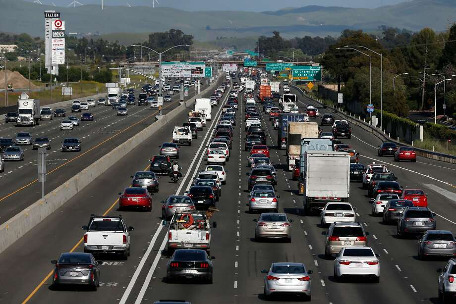 East bound commuters travel through the Livermore Valley on Interstate 580 in Pleasanton. Some of Gov. Jerry Brown's would-be successors would continue his climate change fight and others would drop it. Photo: Michael Macor / The Chronicle
