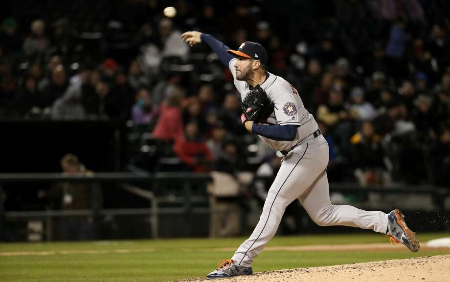 Houston Astros starting pitcher Justin Verlander throws in the fifth inning against the Chicago White Sox at Guaranteed Rate Field in Chicago on Friday, April 20, 2018. (John J. Kim/Chicago Tribune/TNS) Photo: John J. Kim/TNS