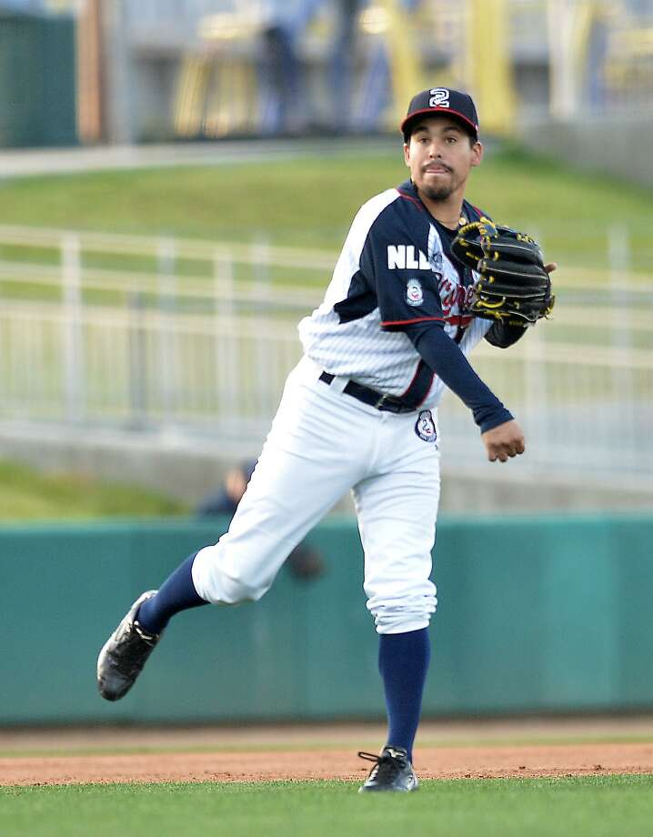 Ivan Bellazetin had the go-ahead RBI single in the eighth kicking off an eight-run inning as the Tecolotes Dos Laredos led 14-6 at press time at Generales de Durango at press time Wednesday. Photo: Cuate Santos /Laredo Morning Times File