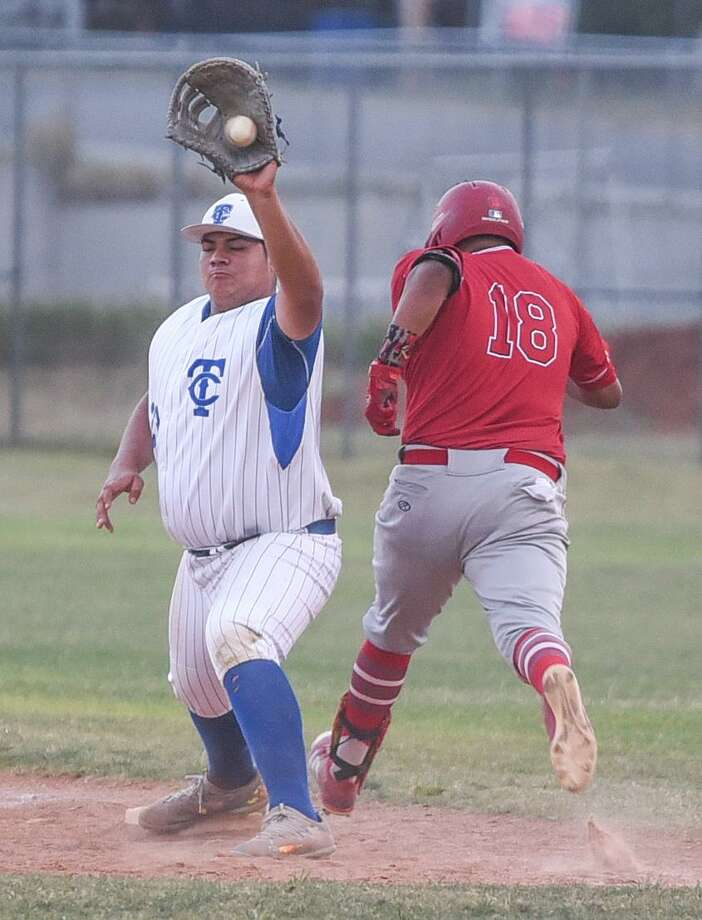 Cigarroa and Martin meet in the second game of district play at 2 p.m. Friday at Benavides Field. The Toros swept a pair of close matchups in the series last season. Photo: Danny Zaragoza /Laredo Morning Times File