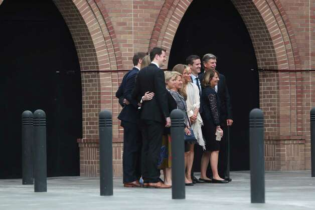 Guests pose for a photo atSt. Martin's Episcopal Church as they arrive to the former First Lady Barbara Bush's funeral service, Saturday, April 21, 2018. Photo: Marie De Jesus, Marie D. De Jesus
