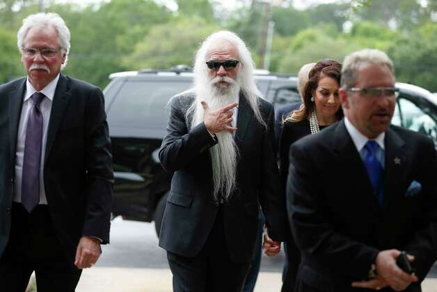 William Lee Golden, center, of The Oak Ridge Boys band arrive at Second Baptist Church campus to attend Former First Lady Barbara Bush's funeral  Saturday, April 21, 2018, in Houston. Photo: Steve Gonzales, Houston Chronicle / © 2018 Houston Chronicle