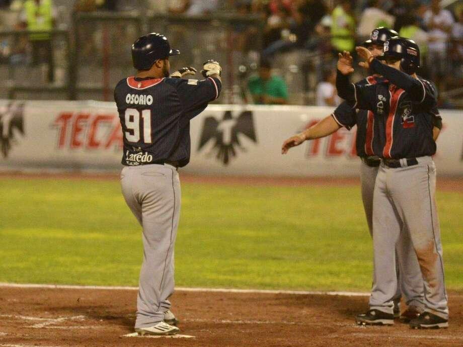 Enrique Osorio had five hits including two home runs Sunday as the Tecolotes Dos Laredos rolled 23-5 at Algodoneros Unión Laguna. Photo: Courtesy Of Tecolotes Dos Laredos