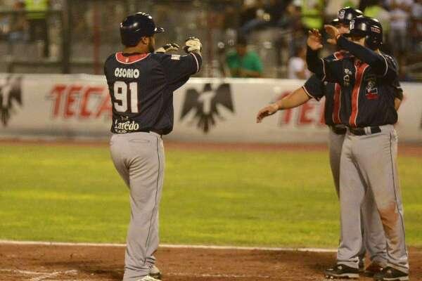 Enrique Osorio had five hits including two home runs Sunday as the Tecolotes Dos Laredos rolled 23-5 at Algodoneros Unión Laguna.