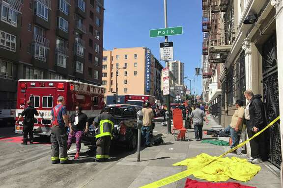 A gas leak Monday morning near Cedar and Polk streets prompted the San Francisco Fire Department to issue an alert to avoid the area. Multiple people were being treated by emergency personnel on the scene.