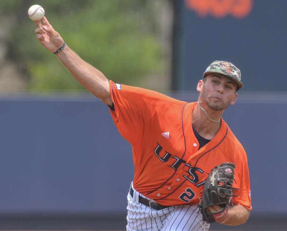 UTSA pitcher Justin Anderson throws to the plate versus Rice in 2014. Photo: Robin Jerstad