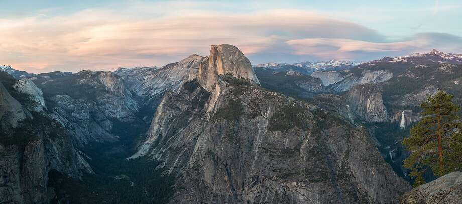 The view from Glacier Point Photo: Wikimedia Commons