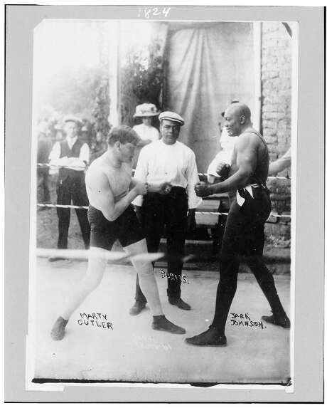 Boxers Marty Cutler andJackJohnsonin the ring in 1914. Photo: Library Of Congress