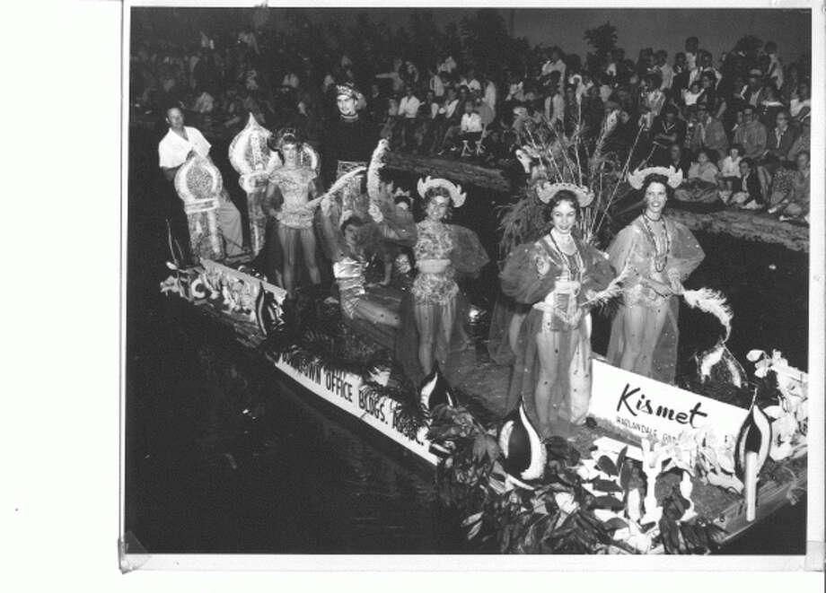 "King Antonio XCVI Richard A. Sparr, Jr., (center) enters the Arneson River Theatre at La Villita during the 2018 Texas Cavaliers River Parade ""Magnificent Missions"" held Monday April 23, 2018. Photo: Edward A. Ornelas, San Antonio Express-News / © 2018 San Antonio Express-News"