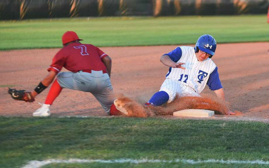 On Tuesday, Cigarroa (12-16, 8-7 District 31-5A) plays at Roma to end its regular season at 7 p.m. while Martin (15-12, 7-7) hosts Pioneer at Veterans field at 6 p.m. Photo: Danny Zaragoza /Laredo Morning Times File / Laredo Morning Times
