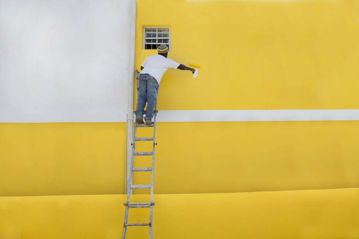 PAINTER SALARY RANGE: $71,552 - $86,970 EXPERIENCE: Completion of apprenticeship program; two years journey-level experience More details