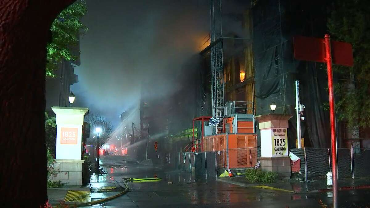 A major fire in Contra Costa County felled an apartment building that was under construction early Tuesday morning, officials said.