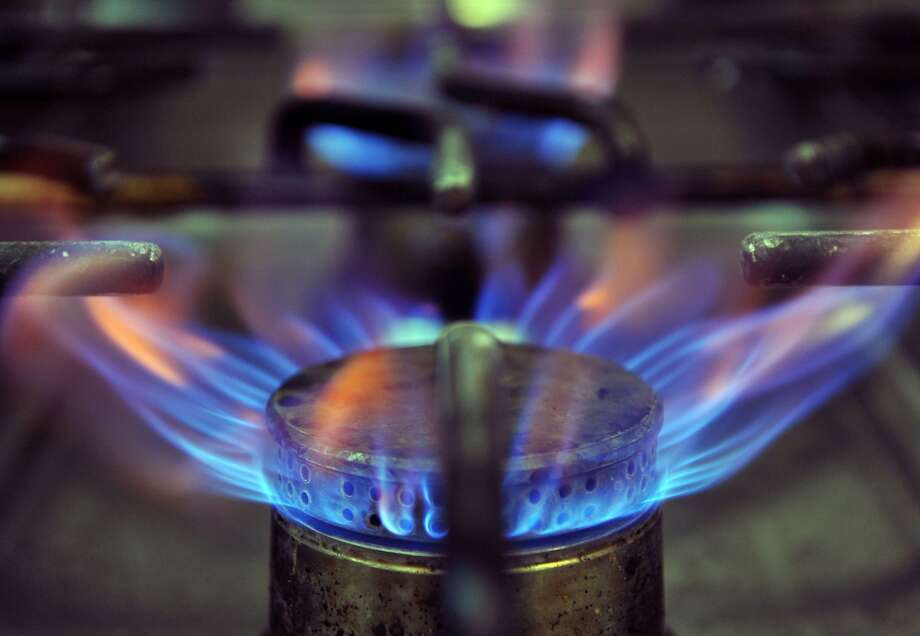 The California Energy Commission will vote May 9 on new building energy efficiency standards that, if approved, point to electric cooktops as the future. Photo: Pierre Andrieu / AFP / Getty Images 2012
