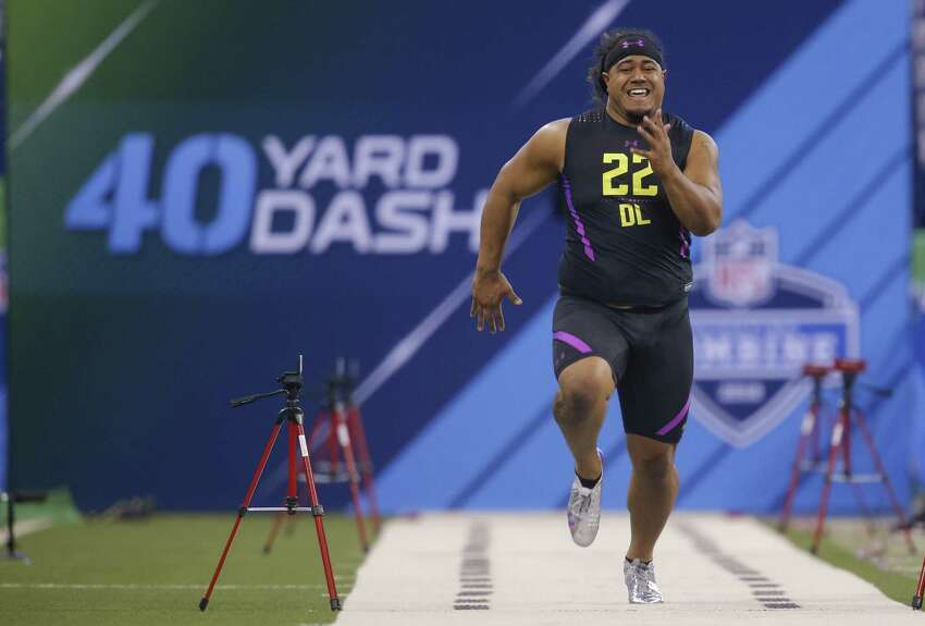 Fastest 40-yard dash time at combine will be ... Odds- Offensive player: -160 (5/8) Defensive player: +120 (6/5)