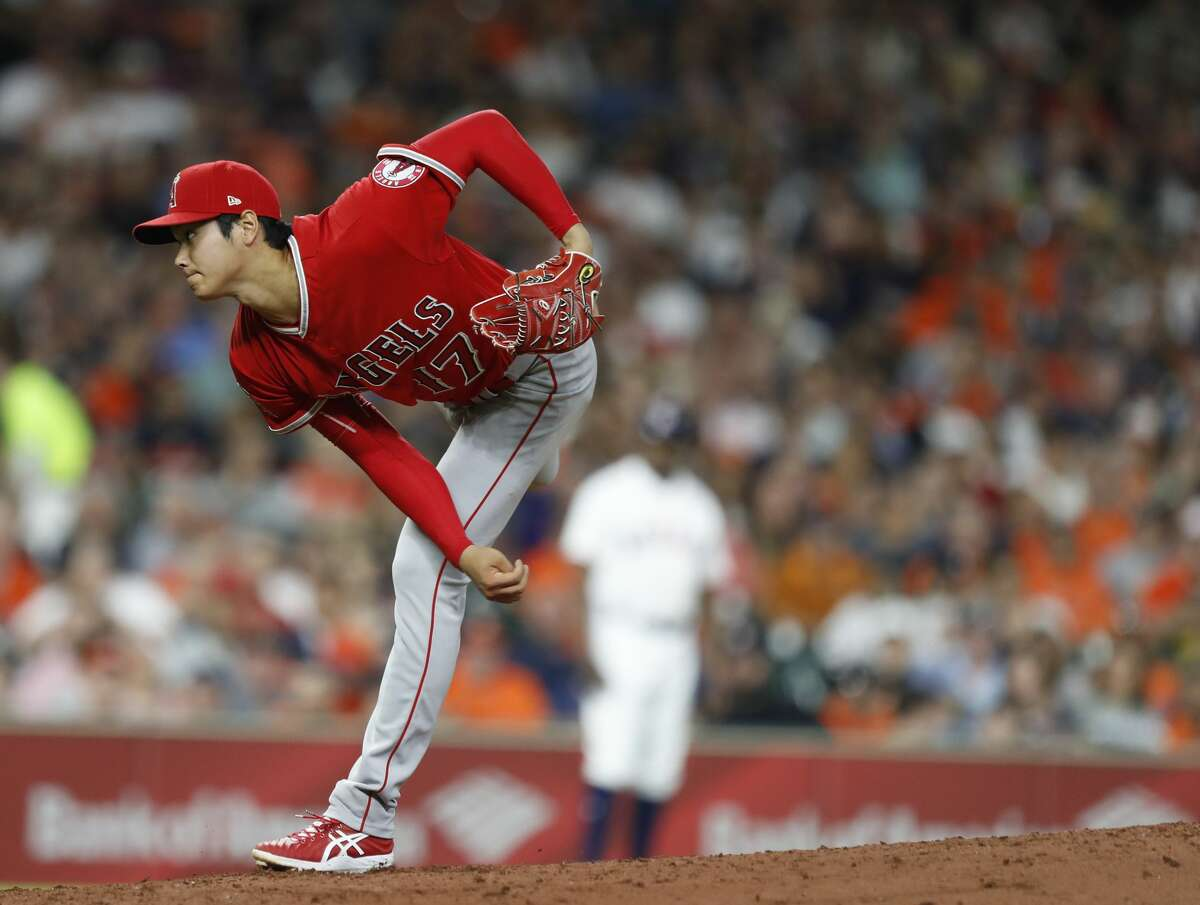 Los Angeles Angels starting pitcher Shohei Ohtani (17) pitches during the third inning of an MLB game at Minute Maid Park, Tuesday, April 24, 2018, in Houston. ( Karen Warren / Houston Chronicle )