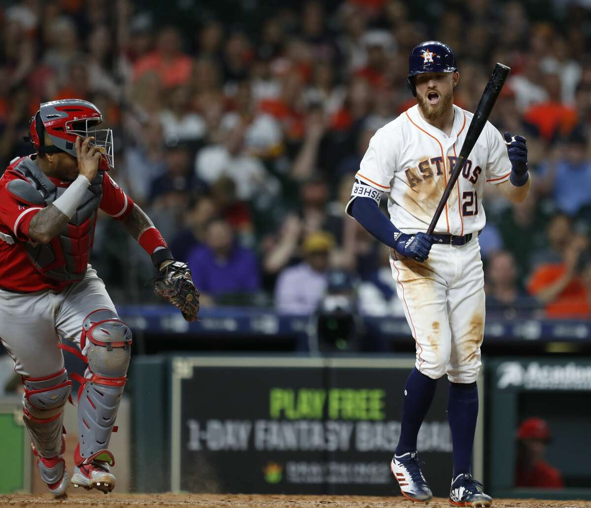 Houston Astros Derek Fisher (21) strikes out during the seventh inning of an MLB game at Minute Maid Park, Tuesday, April 24, 2018, in Houston. ( Karen Warren / Houston Chronicle )