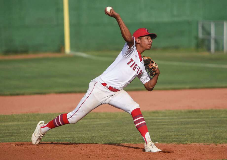Tigers No. 1 pitcher Kenny Salas (8-2) struck out three batters and conceded seven earned runs on 12 hits in Martin's (15-13, 7-8 District 31-5A) 7-3 loss to Pioneer Tuesday night at Veterans Field. Photo: Danny Zaragoza /Laredo Morning Times