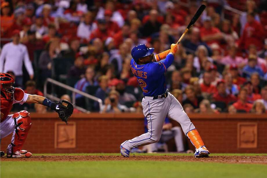 ST. LOUIS, MO - APRIL 24:  Yoenis Cespedes #52 of the New York Mets hits a game-tying three run home run against the St. Louis Cardinals in the fifth inning at Busch Stadium on April 24, 2018 in St. Louis, Missouri.  (Photo by Dilip Vishwanat/Getty Images) Photo: Dilip Vishwanat / 2018 Getty Images