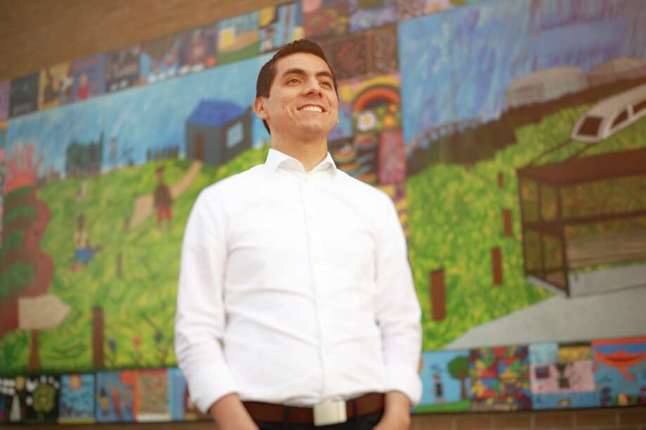 Independent Benjamin Hernandez of Houston is challenging U.S. Rep. Al Green in the 9th Congressional District.