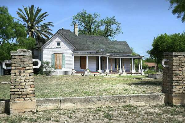 The century-old Uvalde house where movie and TV star Dale Evans was born reeks of abandonment, uncaring tenants and multiple renovations — many poorly conceived and executed.