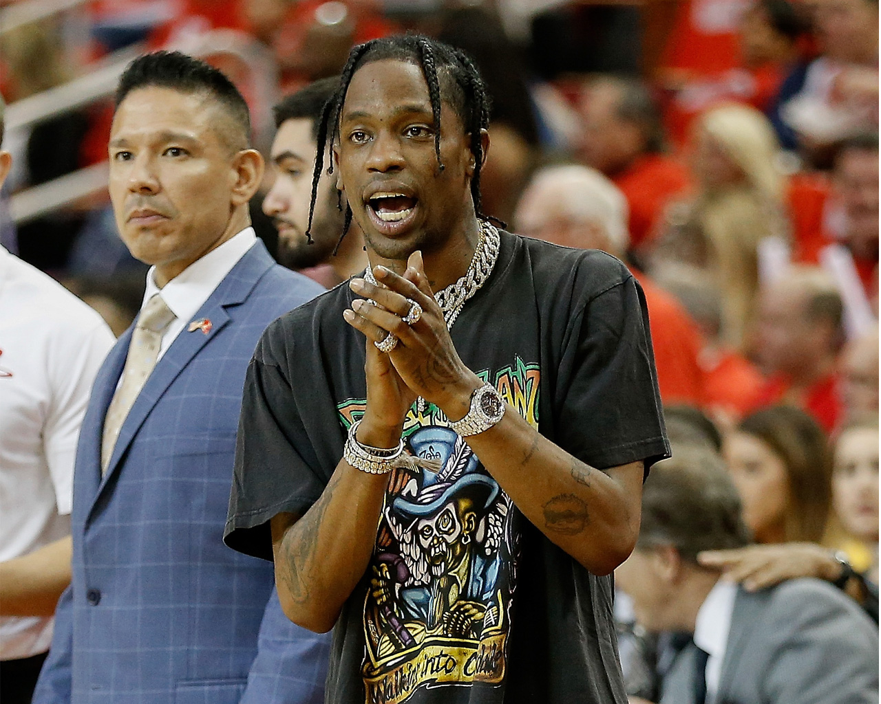 4a89f352062 Travis Scott honors Astroworld with block party, release of his Jordan shoes