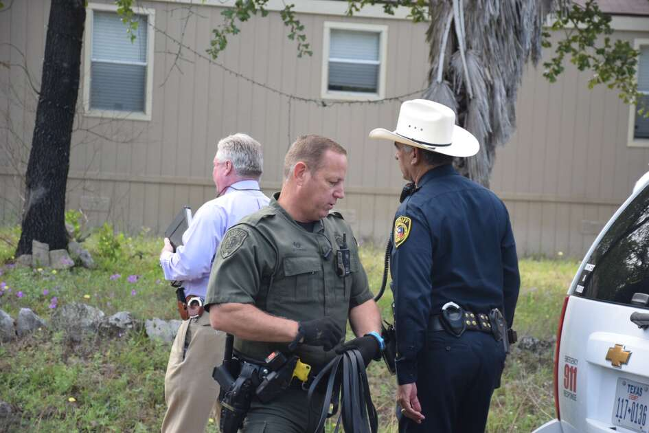 Bexar County sheriff's deputies respond to the scene where two people, a man and a woman, were found stabbed in the 4400 block of Lost Hills Drive on Thursday, April 26, 2018. A neighbor reported a verbal disturbance around 5:30 a.m.