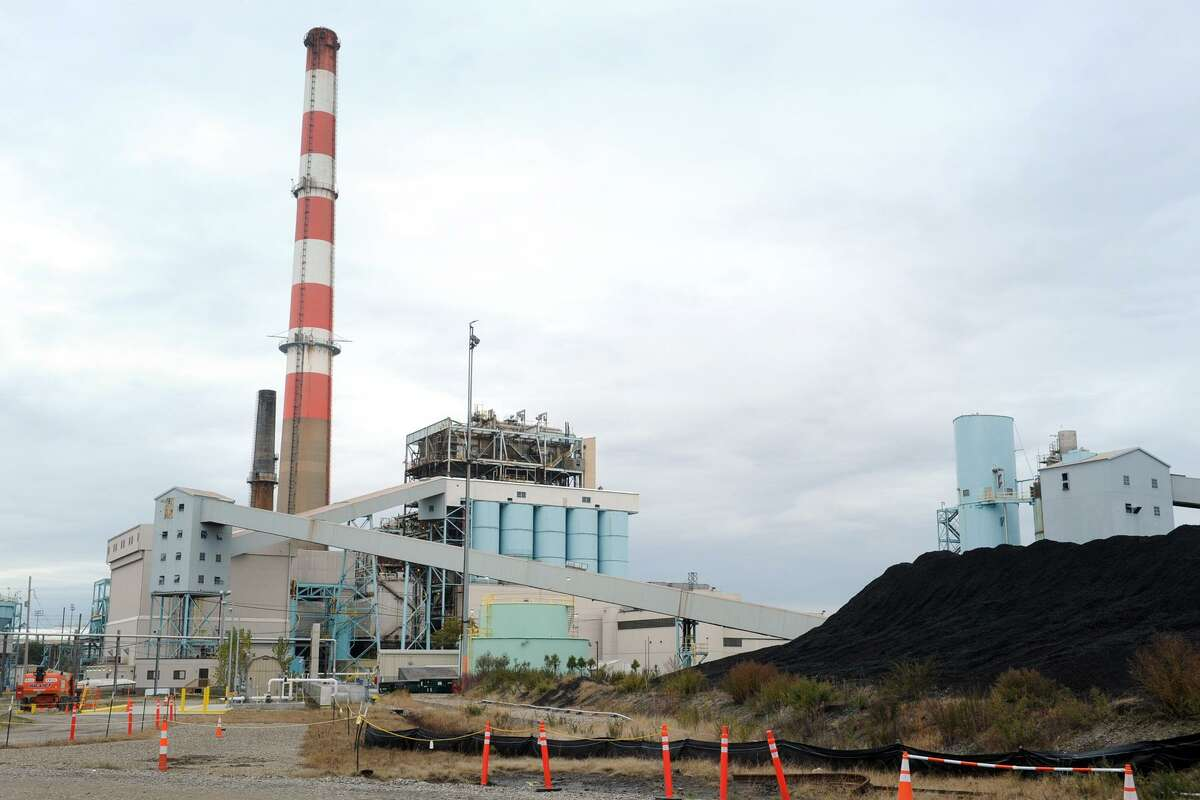 The coal- and oil-fired power plant at PSEGs Bridgeport Harbor Station in Bridgeport, Conn. Nov. 1, 2017.