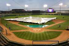 The Tecolotes Dos Laredos lost 2-0 Wednesday after inclement weather delayed the start of their game to 9:21 p.m. Wednesday at Uni-Trade Stadium.