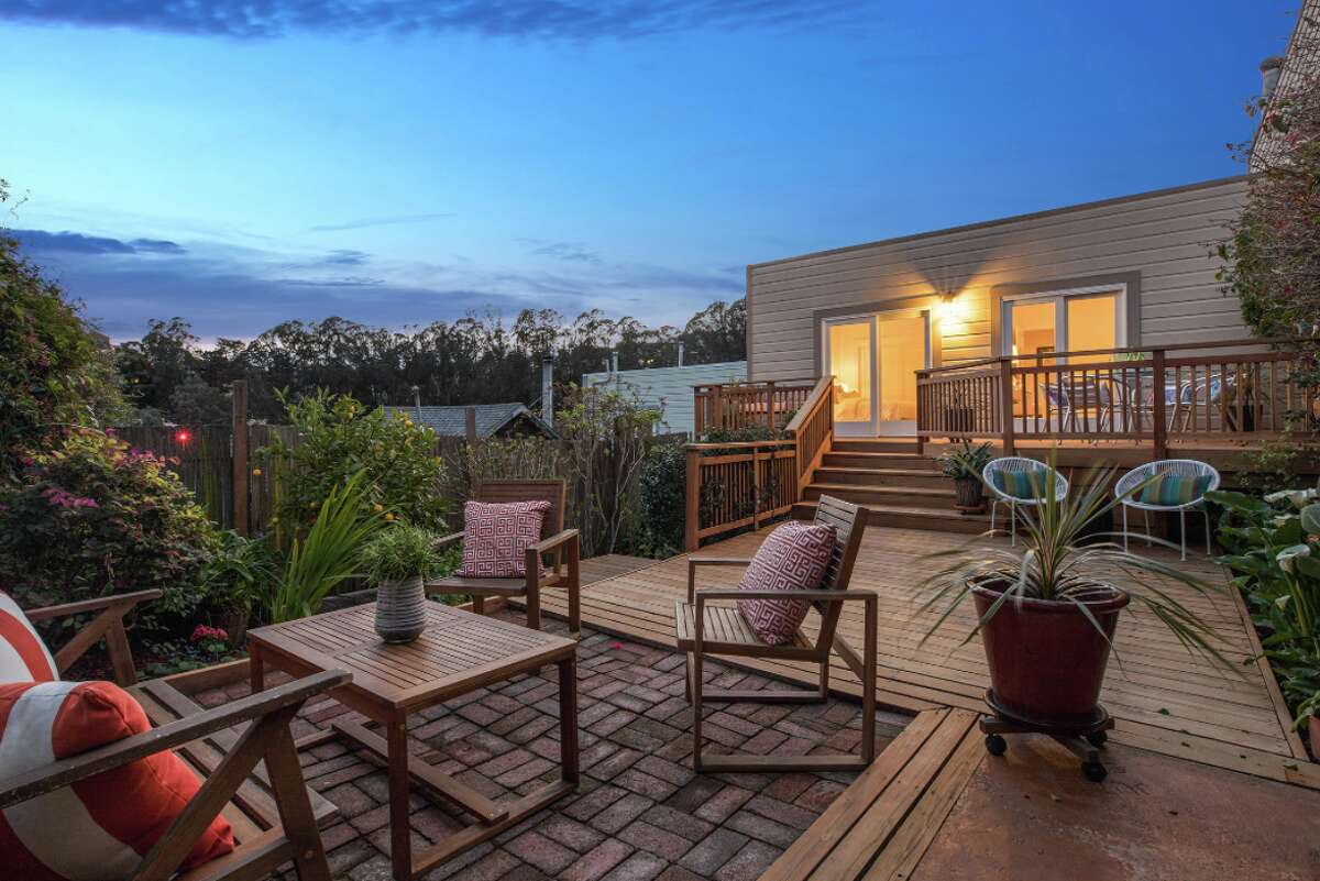The sweet two-bedroom, one-bathroom at 31 Elk St. right across from Glen Park Canyon was listed for $1.295 million on March 23, and sold only five days later for $2.105 million.