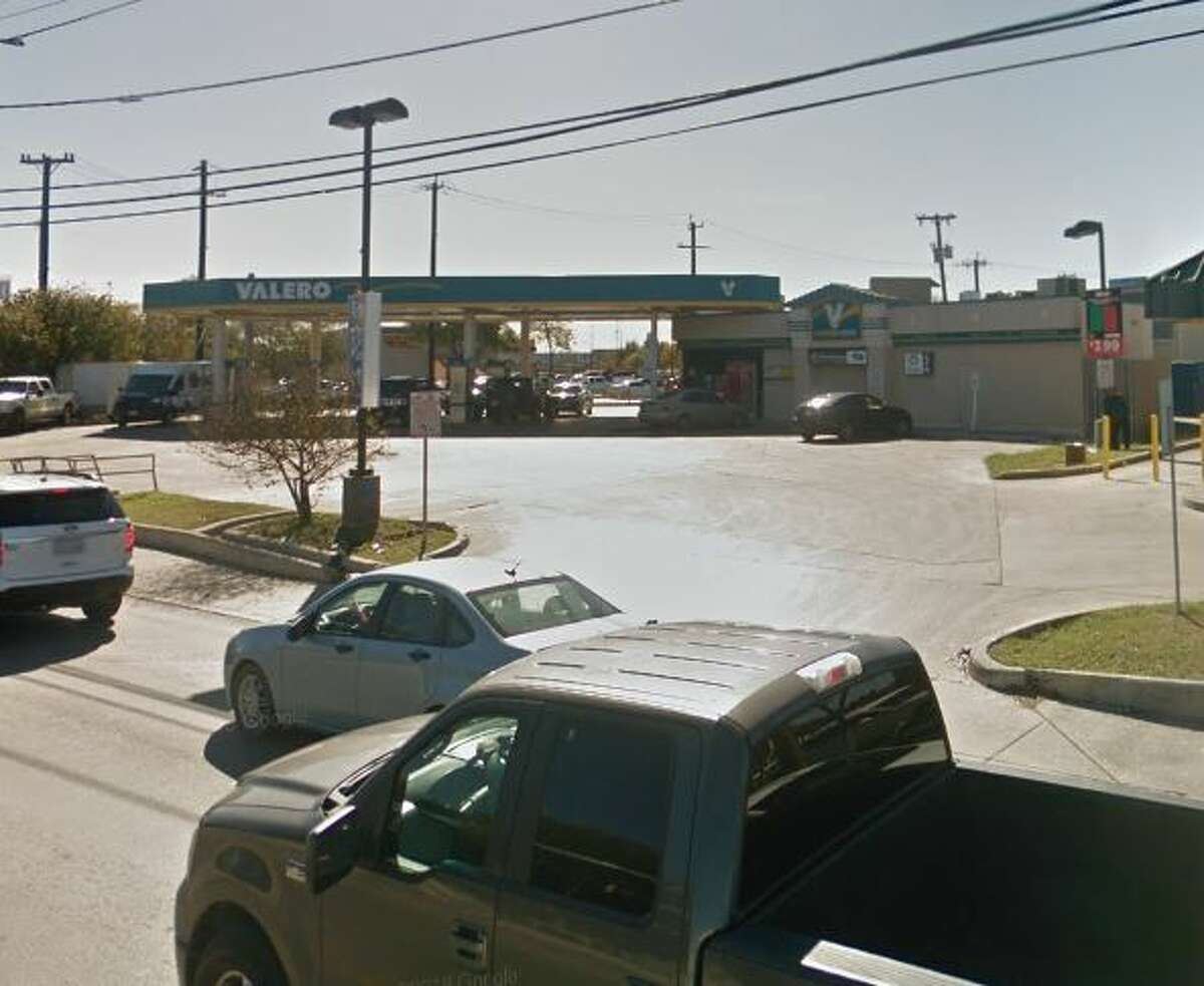 Valero Location:3033 Goliad Road Date:July 10 Number of skimmers found:1