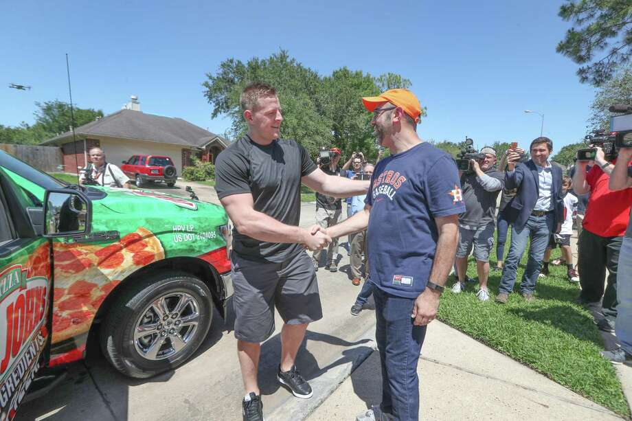 He will enlist the help of his friend Jose Altuve to surprise a fan with a brand new, decorated truck and some pizza. Photo: Steve Gonzales, Houston Chronicle / © 2018 Houston Chronicle