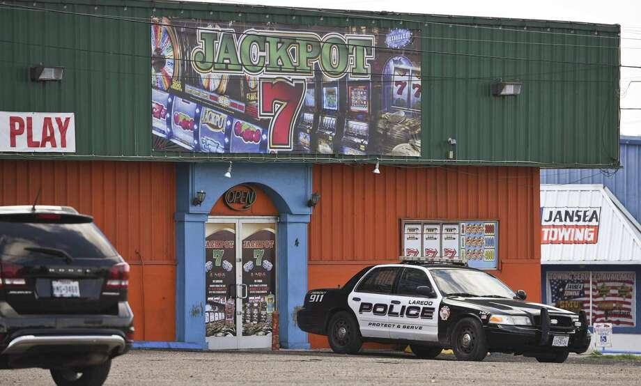 ARCHIVO — El establecimiento de maquinitas Jackpot 7 Amusement Center ubicado en 530 S. US-83 fue cateado el jueves 26 de abril de 2018. Photo: Danny Zaragoza /Laredo Morning Times / Laredo Morning Times