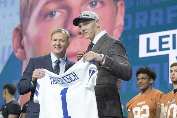 The Dallas Cowboys select Boise State linebacker Leighton Vander Esch 19th overall during the NFL Draft at AT&T Stadium in Arlington, Texas, on Thursday, April 26, 2018. (Max Faulkner/Fort Worth Star-Telegram/TNS)