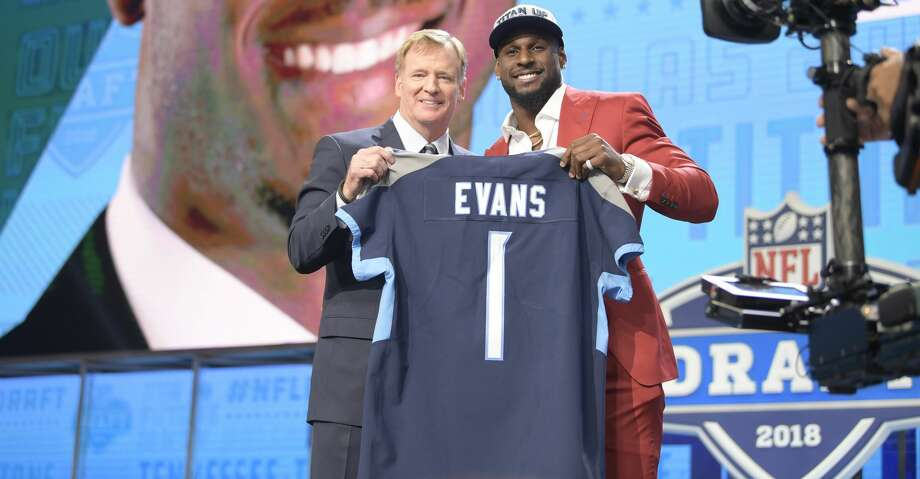 The Tennesee Titans select Alabama  linebacker Rashaan Evans 22nd overall during the NFL Draft at AT&T Stadium in Arlington, Texas, on Thursday, April 26, 2018. (Max Faulkner/Fort Worth Star-Telegram/TNS) Photo: Max Faulkner/TNS