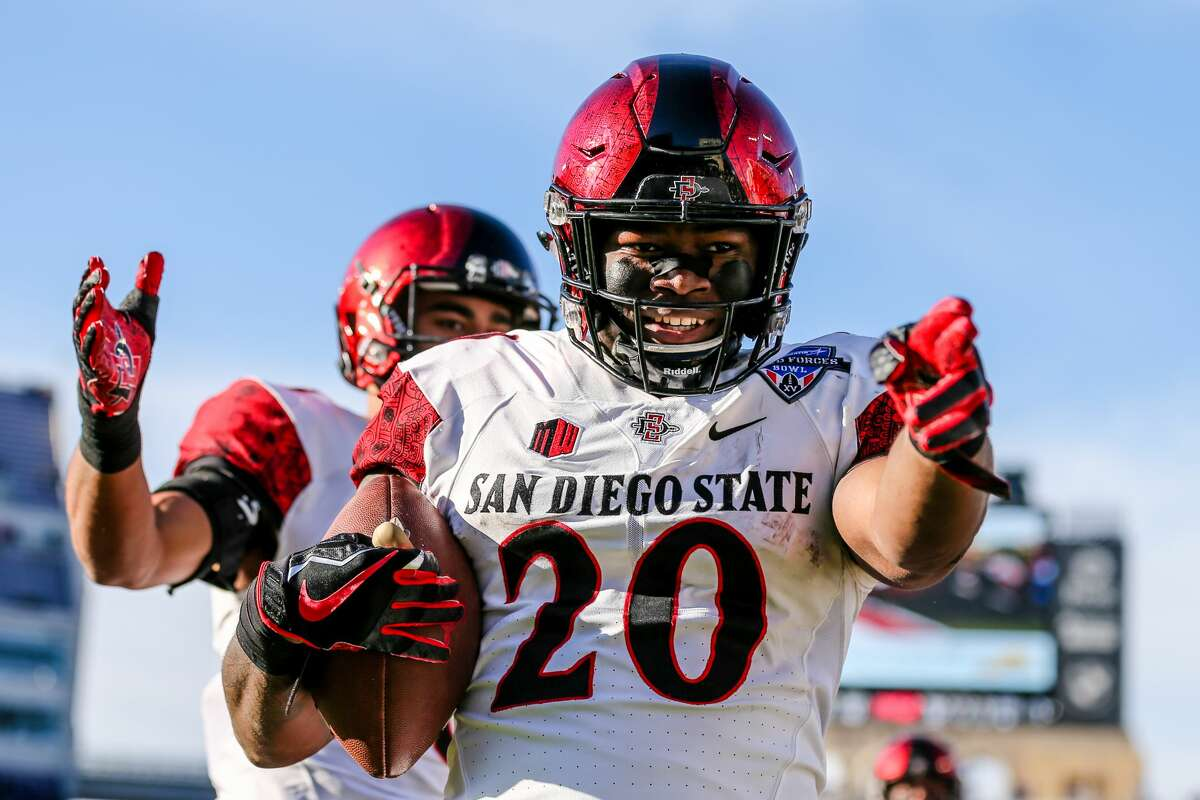 Round 1, pick 27RB Rashaad Penny, San Diego State  Seattle's only first-round running back selection made by Pete Carroll and John Schneider, Penny figures to compete immediately for the starting job, while also battling with receiver Tyler Lockett for special teams duties.