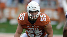 AUSTIN, TX - NOVEMBER 25: Texas Longhorn tackle Connor Williams (55) drops into pass protection during NCAA game featuring the Texas Longhorns and the TCU Horned Frogs on November 25, 2016 at Darrell K. Royal - Texas Memorial Stadium in Austin, TX. The TCU Horned Frogs defeated the Texas Longhorns 31 - 9. (Photo by John Rivera/Icon Sportswire via Getty Images)