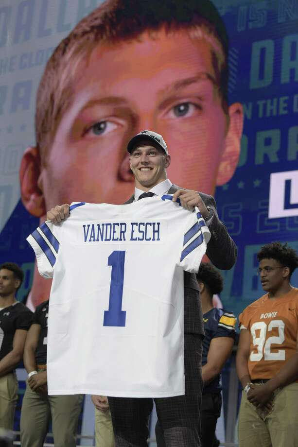 Dallas picked Boise State linebacker Leighton Vander Esch 19th overall, even though Alabama WR Calvin Ridley was available. Photo: Max Faulkner /TNS / Fort Worth Star-Telegram