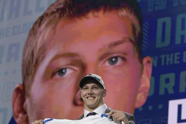 Dallas picked Boise State linebacker Leighton Vander Esch 19th overall, even though Alabama WR Calvin Ridley was available.