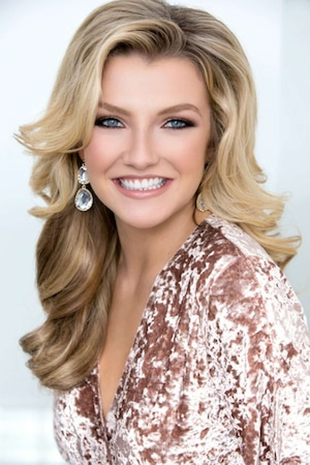 Emma Faye Rudkin founder of Aid the Silent. Rudkin became the first deaf woman to win Miss San Antonio, when she was crowned with the title in 2015. Rudkin won the honor again in 2017, and has been named 40 Women under 40 Woman of the Year.