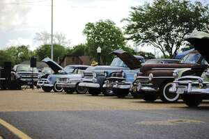 Many vintage cars were lined up at the Lone Star Deluxe 2017. (Photo by Jason Pitz)