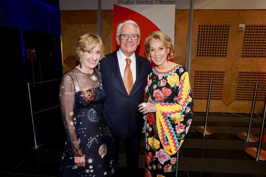 SFMOMA Board Chairman Charles Schwab is flanked by his Modern Ball co-chairs Nancy Bechtle (left) and Protocol Chief Charlotte Shultz. April 25, 2018. Photo: Catherine Bigelow / Special To The Chronicle