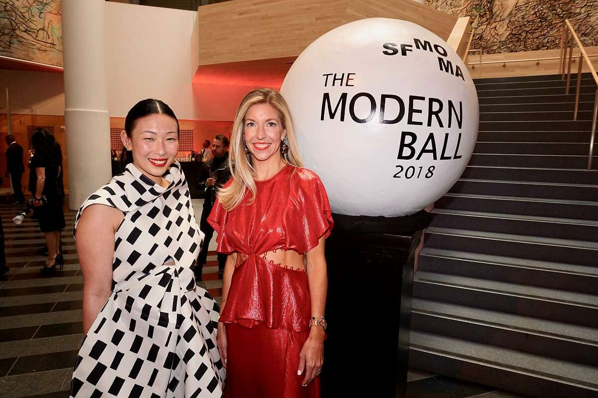 Supper Club cochair Sonya Yu (left) and Jane Gruber at the SFMOMA Modern Ball. April 25, 2018.