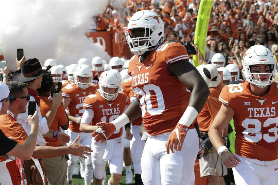Defensive end Charles Omenihu is back for his senior season and looking to improve against the run. Photo: Tom Reel, San Antonio Express-News / 2017 SAN ANTONIO EXPRESS-NEWS